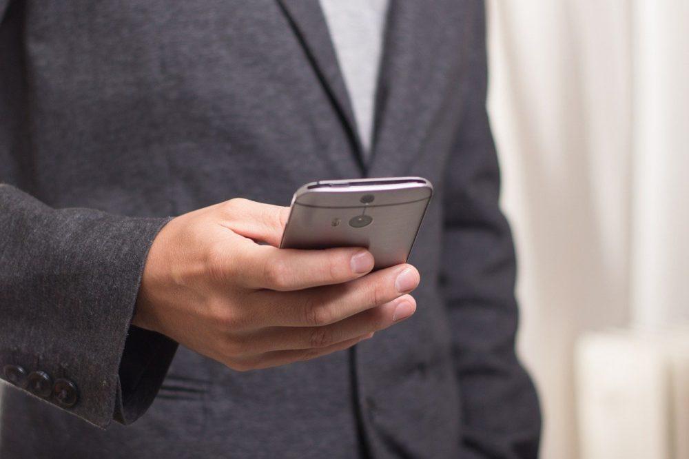 Vom Smartphone aus handeln